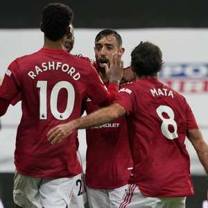 Manchester United goleia o Newscastle e ameniza crise