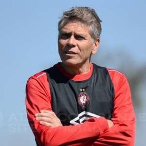Cargo de diretor de futebol volta a ser de Paulo Autuori no Athletico-PR