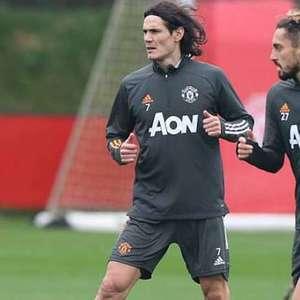 Técnico do Manchester United descarta estreia de Cavani contra o PSG