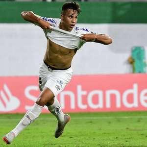 Kaio Jorge diz viver o seu melhor momento pelo Santos: ...