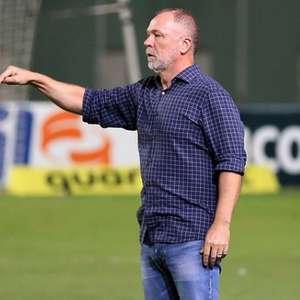 Confira o retrospecto de Mano Menezes quando enfrenta o Atlético-MG