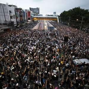 Protestos contra governo e monarquia aumentam na Tailândia