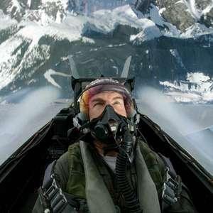 Marinha dos EUA certifica Tom Cruise como Aviador Naval Honorário