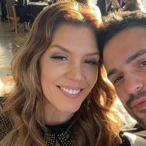 Simony anuncia noivado com Felipe Rodrigues: 'feliz por nós'