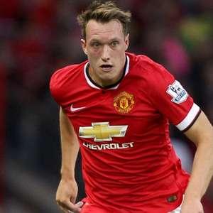 Manchester United só aceita vender Phil Jones por R$ 145 ...