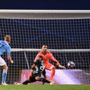 Em busca do título inédito, Manchester City estreia ...