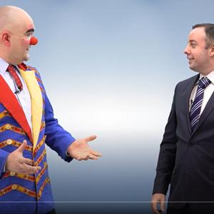 Canal do YouTube viraliza mostrando um palhaço e um ...