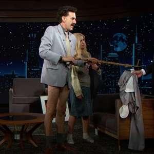 Sacha Baron Cohen encarna Borat e deixa Jimmy Kimmel sem ...