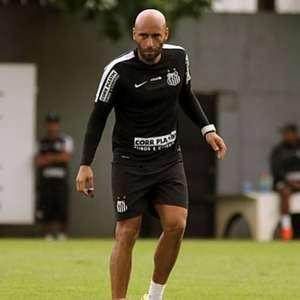 Filho de Pelé, Edinho é promovido e assume o comando do ...