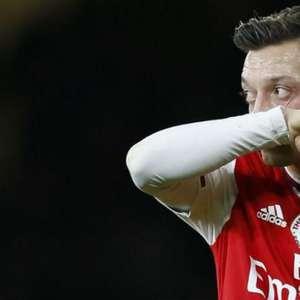 Ozil 'desaparece' no Arsenal após denunciar governo chinês