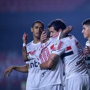 Pablo lamenta campanha tricolor na Libertadores: ...