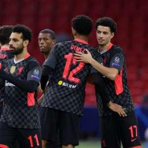 Com gol contra, Liverpool vence Ajax fora de casa por 1 a 0