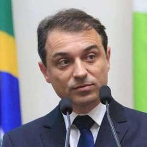 """""""Julgamento político"""", diz governador afastado de SC"""