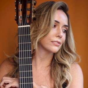 "Lili Araujo canta a beleza da amizade no álbum ""Dájazz"""