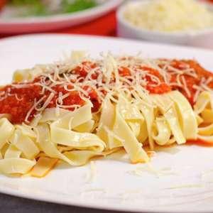 Molho de tomate caseiro: 3 dicas para fazer o molho perfeito