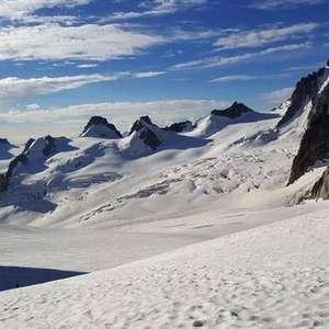 Fronteira entre Itália e França nos Alpes vira motivo de tensão