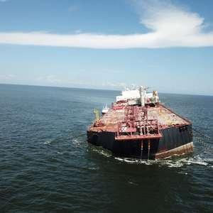 Navio venezuelano com petróleo não corre risco de ...