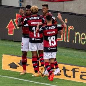 Dome cumpre missão na Libertadores, roda elenco e resgata contestados: 'Eu acredito neles'