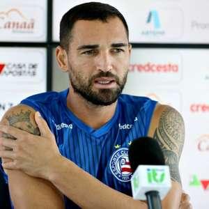 Sobre estilo de jogo do Bahia, Gilberto crava: 'Eu me importo com o triunfo e acabou'