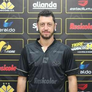 Felipe Menezes fala sobre chegada ao Criciúma e revela ...