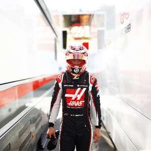 Magnussen segue Grosjean e também confirma que deixa ...