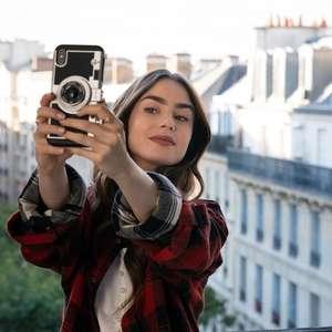 Emily in Paris: por que o criador da série da Netflix diz não se arrepender dos clichês