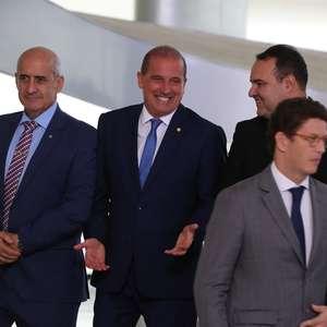 Salles rompe com Ramos em meio à disputa por ministério