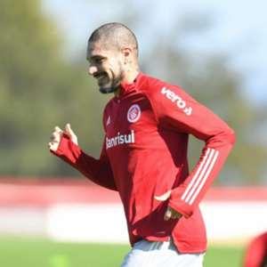 Guerrero completa 17 anos de carreira e frisa: 'São anos de aprendizados e conquistas'