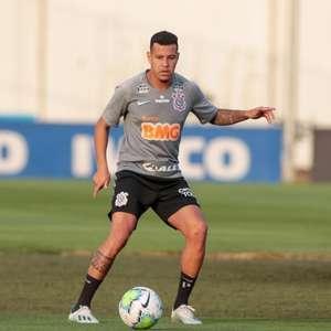 Após dois meses, Sidcley pode ter chance como titular do Corinthians