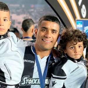 Vasco acerta com Léo Matos, lateral-direito do PAOK, da Grécia