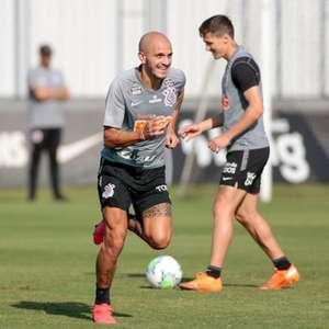 Corinthians se reapresenta e treina em dois períodos de ...