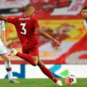 Em boa fase, Fabinho deve renovar com o Liverpool