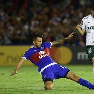 Matías Viña é o melhor jogador do Palmeiras na Libertadores