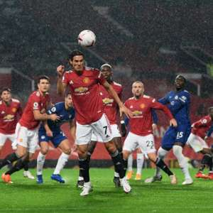 Cavani estreia, mas Manchester United tem noite pouco ...