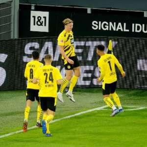 Haaland marca novamente e Borussia Dortmund goleia o ...