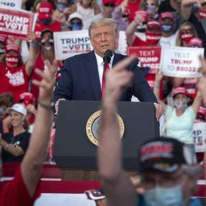 Donald Trump vota antecipadamente na Flórida
