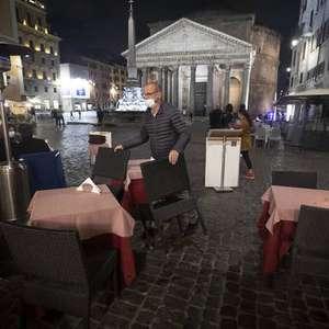 Itália anuncia regras mais rígidas; restaurantes fecham ...