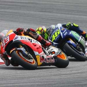 Na Garagem: Rossi chuta, derruba Marc Márquez no GP da ...