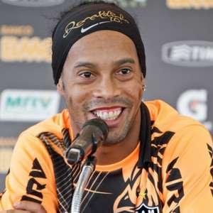 Ronaldinho Gaúcho testa positivo para Covid-19
