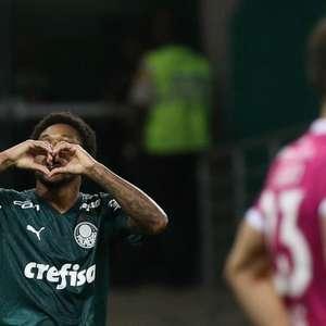 Craque do jogo, Luiz Adriano celebra fim de jejum: ...