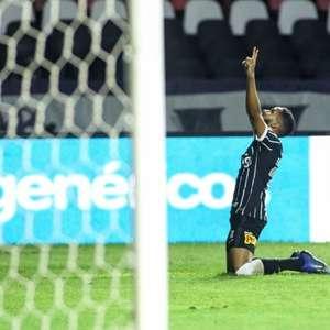 Everaldo 'ressurge' decisivo no Corinthians e aceita ...