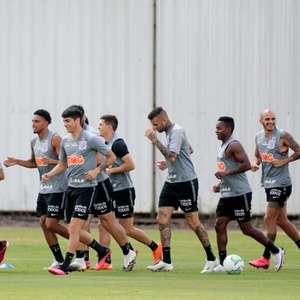 Corinthians aprimora fundamentos em treino na manhã ...