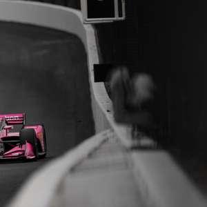 Andretti reclama após batida que custou premiação em St. ...