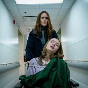 Sarah Paulson vive mãe psicopata em trailer de suspense