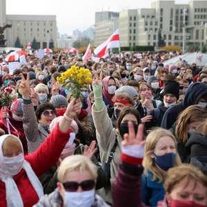 Trabalhadores e estudantes pressionam líder de Belarus ...