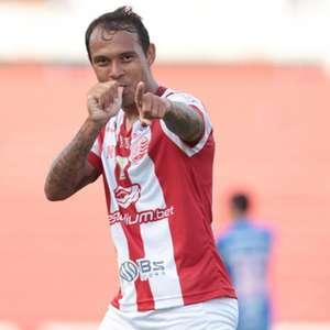 Empate contra o Cruzeiro deixa Náutico colado no Z-4