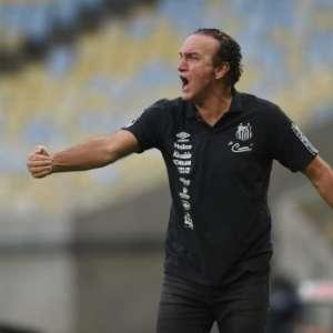 Cuca volta a falar sobre necessidade de reforçar o elenco do Santos