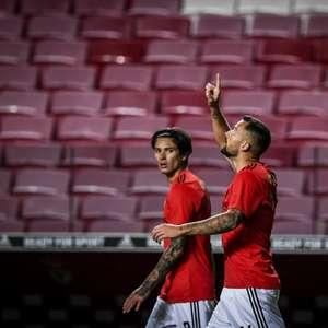 Com gols de Seferovic e Darwin Ñúnez, Benfica vence o ...