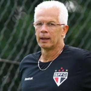 Leão pede 'humildade' a Daniel Alves e revela dívida de 15 anos com o São Paulo ainda na Justiça