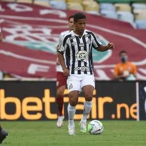 Ângelo, do Santos, é sondado por empresários, mas família do atleta valoriza atual representante